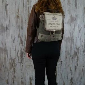 Myra Bag Rugzak Chloe persoon2