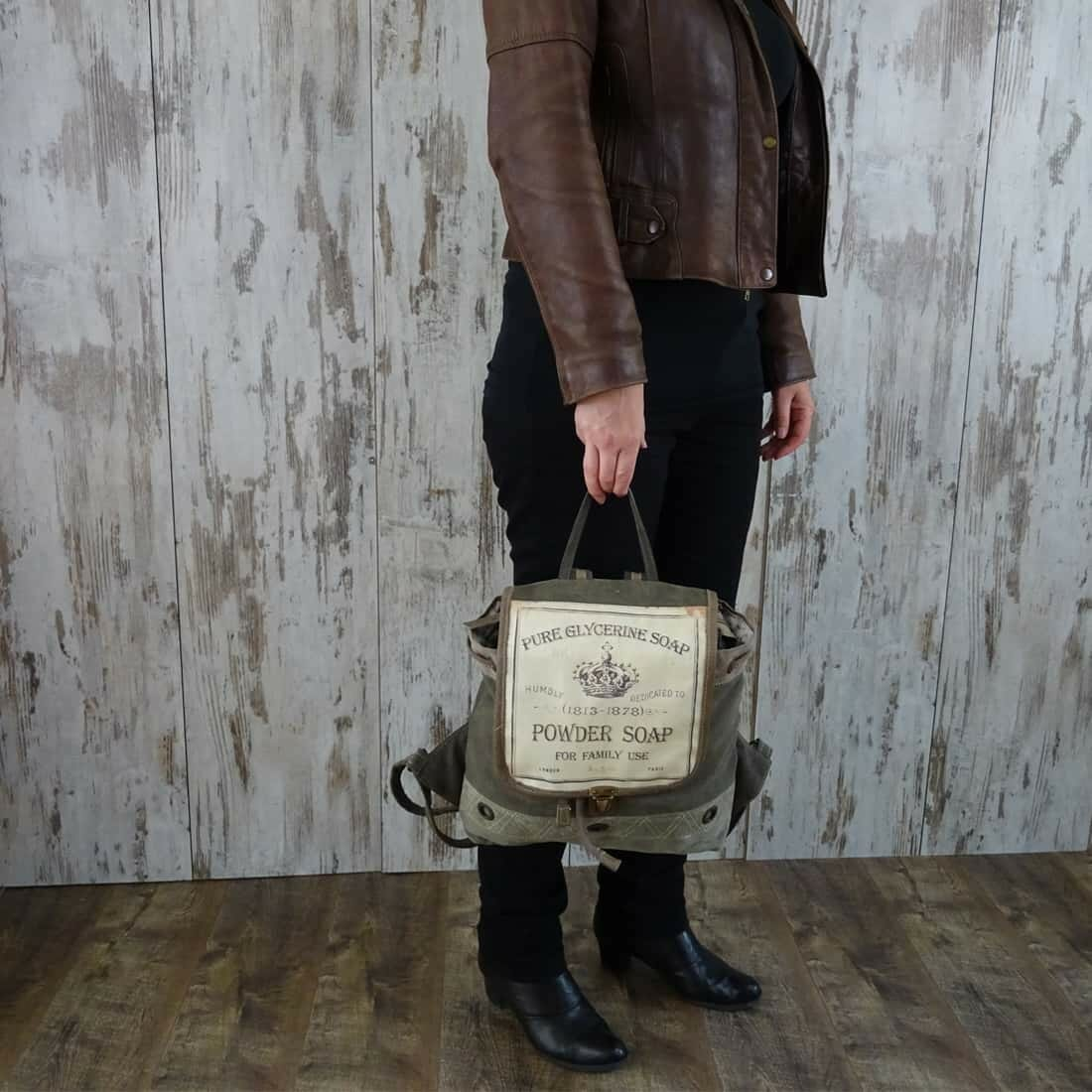 Myra Bag Rugzak Chloe persoon3