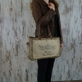 Myra Bag Schoudertas Diane persoon2