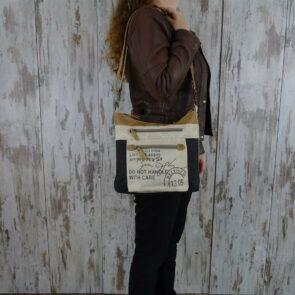 Myra Bag Schoudertas Eloise persoon