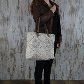 Myra Bag Shopper Isabella persoon2